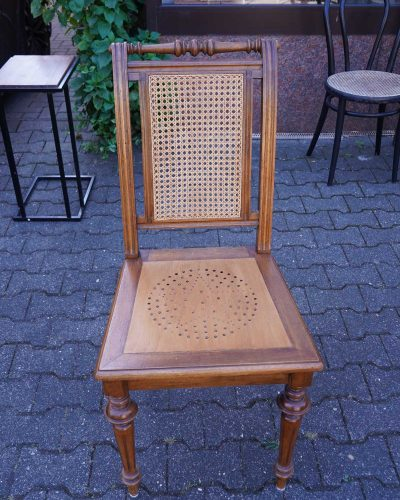 karekla-ffm-stuhl